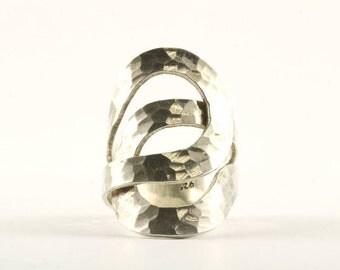 Vintage Loop Design Hammered Ring 925 Sterling Silver RG 1921-E