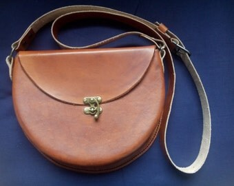 Handmade leather handbag / leather saddle bag