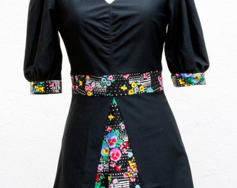 Vintage dress mini / 70s / black with flowers