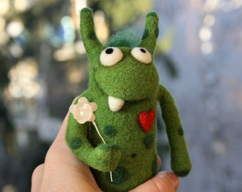 Balambér - Needle felted monster, Valentine's gift idea, Soft sculpture, Green monster with heart, Gift for Her