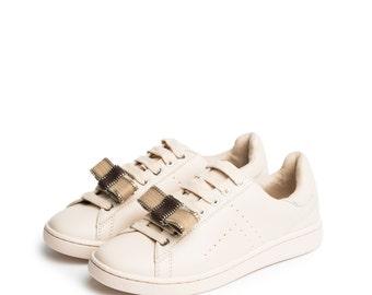 Zippy in Beige - Shoe Clips