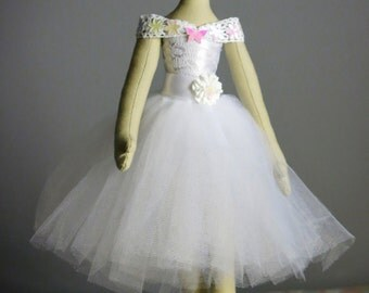 Hand-made ballerina rag doll - Textile doll - Fabric Doll - Home decoration