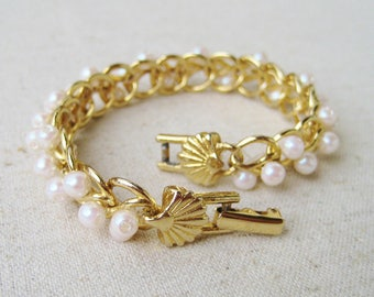 Richelieu Shell Bracelet, Vintage Bracelet, White Faux Pearl, Gold Tone, Scallop Shell, Nautical Jewelry, Beach Wedding, Bridal Jewelry