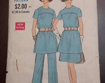 CLEARANCE SALE Vintage Vogue Pattern 7615 1960's, Misses Top Skirt Pants, sewing patterns, craft patterns, retro patterns