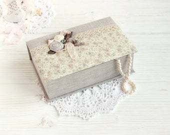Jewelry box - cosy jewelry box - cartonnage jewelry box - shabby jewelry box - buy jewelry box - fabric covered box