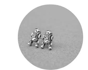 R2D2 Star Wars Earrings Jewelry - Sci Fi Geek Nerdy Star Wars 925 Sterling Silver R2D2 Post Stud Earrings