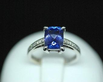 Ring white gold, diamonds, tanzanite / White gold ring set with diamonds and Tanzanite