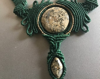 Macrame necklace with stones fossils