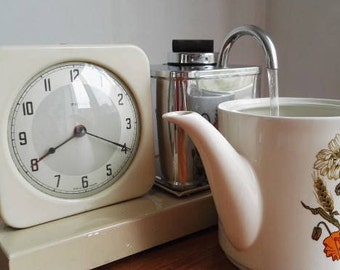 Tea on time - 1954 PIFCO 1047 TEA-O-MATIC