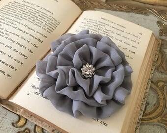 Medium Gray Flower Hair Clip.Gray Flower Brooch.Pin.Chiffon.Bridesmaid headpiece.Pewter Hair Piece.Platinum Hair Accessory.Grey Head Piece