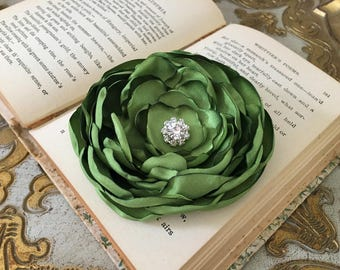 Peridot Flower Hair Clip.Peridot Flower Brooch.Pin.Bridesmaid.Headpiece.Satin Flower.Wedding.corsage.hair piece.fascinator.Peridot Green