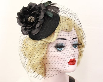 Black Rose Hat, Black Birdcage Veil, Feather Fascinator, Birdcage Veil, Black Hat, Rose Headpiece, Victorian Hat, Goth Bridal, 1940s Pin Up