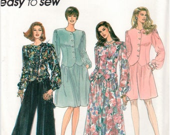 Simplicity Pattern 8724 - Misses' Skirt in Two Lengths, Pants or Shorts and Top - Easy to Sew - Uncut