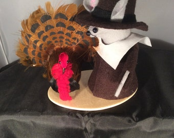 Pilgrim Mouse with Turkey!  NEW LOWER PRICE