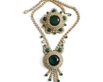 JULIANA Emerald Green and Clear Rhinestones Necklace and Brooch Vintage Verified D&E Demi Set