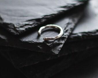 Sterling silver wrap ring / Organic ring / Minimal Ring / Unrefined ring / Modern ring / Midi Ring
