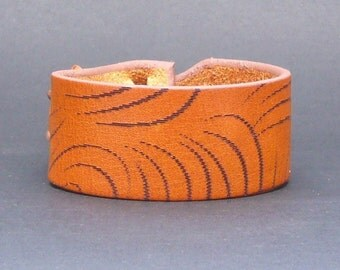 Tigre Muse cuff, Bracelet, Nickle-Free, Free Shipping