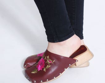 Vintage 90s CLOGS Burgundy Leather EMBROIDERED Clogs FLORAL Slip Ons Boho Shoes