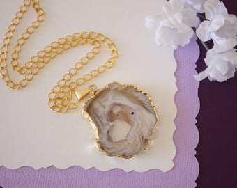 Druzy Necklace Gold, Gold Geode Necklace, Crystal Necklace, Gold Geode Slice Druzy, Healing Stone, Natural Stone, Pendant, GG44