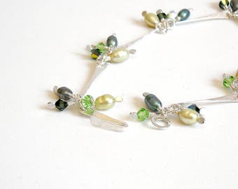Green Pearl Bracelet, Sterling Silver Link Bracelet with Pearl and Crystal Dangles, Handmade Silver Jewellery, Delicate Bracelet