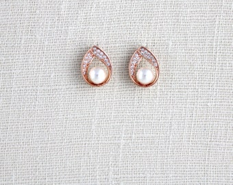 Rose Gold Bridal earrings, Rose Gold Bridesmaid earrings, Wedding jewelry, Pearl stud earrings, Crystal earrings, Wedding earrings, Simple