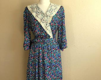 Vintage BLUE FLORAL Lace Dress With Matching BELT / 1980s Lorac Original / Womens Plus Size Large / Long Sleeve Wrap Dress