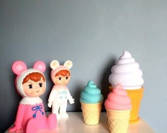 Yummy Ice Cream Night Light Lamps. Available in Blueberry, Strawberry and Vanilla.