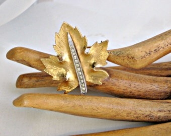Rhinestone Brooch Vintage 80s Costume Jewelry 0886 Oak Leaf Pin