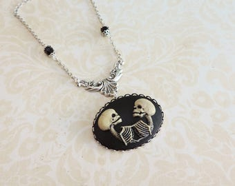 Conjoined twins cameo necklace -silver skeleton necklace  - Skull cameo -Gothic steampunk jewelry -Gothic victorian necklace- Freaks