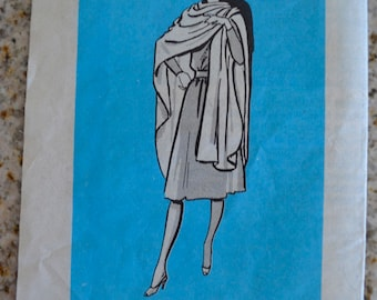 Vintage Misses Cape or Poncho Mail Order Sewing Pattern 9035 One Size UNCUT