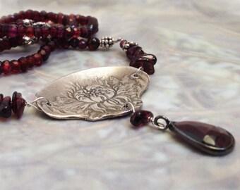 Silver Pendant with Garnets, Garnet necklace, Flower Pendant, Antique Floral silver pendant, Garnet teardrop, PMC pendant, Deep red garnets