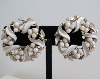 1960s Vintage Wreath Earrings - White Beads & Enamel Silvertone Clip On - Midcentury Costume Jewelry