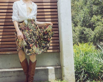 Vintage 90s Cotton Green Floral Peach Red and Burgundy Multicoloured Knee Length High Waisted Skirt