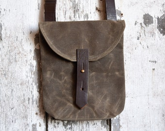 Waxed Canvas Small Hunter Satchel in Truffle, Waxed Canvas Crossbody Bag, Waxed Canvas Bag, Canvas Travel Bag, Crossbody Bag, For Her, Tote