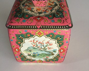 Vintage MetalTin/ Baret Ware/Metal Biscuit Tin/Candy Tin/ Made in England/ By Gatormom13 JUST REDUCED
