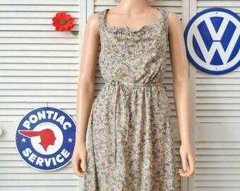 Vintage 70s Women's Sun Dress/English Floral Print/Drawstring Bodice & Matching Belt/Medium Elastic waist/Byer Too! Polyester Cotton