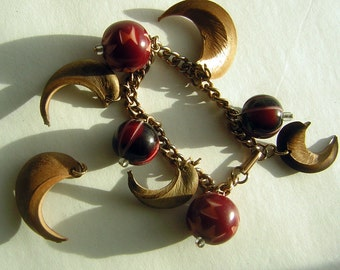 Vintage 50s Bracelet Charm Style Carved Cherry Beads and Bamboo Claws - Mid Century Tribal Kitsch