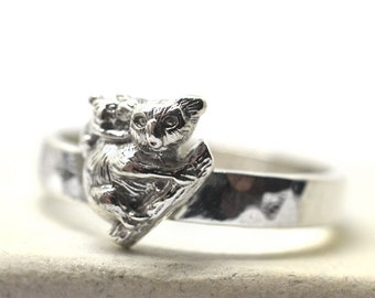 Silver Koala Ring, Baby Koala Ring, Custom Engraved Jewelry, Silver Australian Mother & Baby Animal Ring, Personalized Silver Band