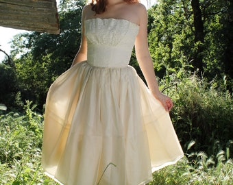 ROSE 1950's Vintage Wedding Dress Classic Strapless Hourglass Bridal Attire Tea Length