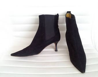 Black Ankle Boots 8.5 39 90s Vintage Kitten Heel Chelsea Boots Pointy Toe Goth Witch Mod Minimalist Designer Boots Lambertson Truex Boots