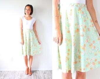 Vintage XS/S floral 60's skirt // boho green floral skirt // Boho summer spring midi maxi skirt // light green floral skirt / bohemian skirt