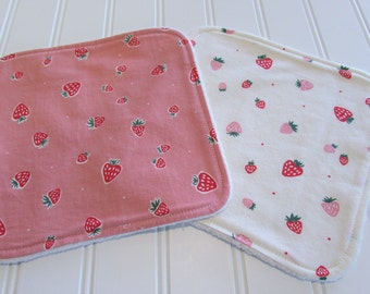 SWEET NATURALS/Organic Line/Washcloths/Set of Two/Strawberries/Organic Cotton Front/Organic Cotton Sherpa Back