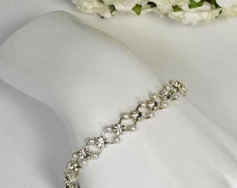 Vintage Rhinestone and Glass Pearl Bracelet