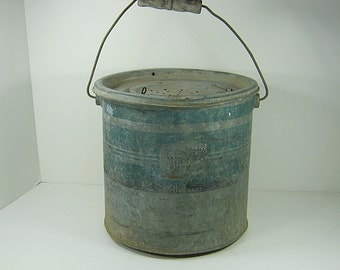 Vintage MINNOW BUCKET Floating RUSTIC 2 Piece Bait Pail Fishing