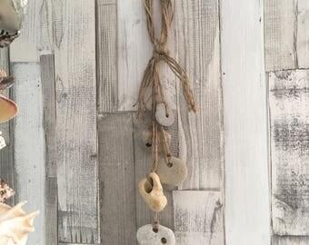 Holey Stone, Hag Stone, Talislman Wicca, Lucky Stones Hanging Decoration - Beach Decor
