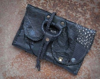 Reclaimed leather case - Leather pouch - Small organizer pouch - Tobacco pouch - Distressed leather - Dystopia - Tribal