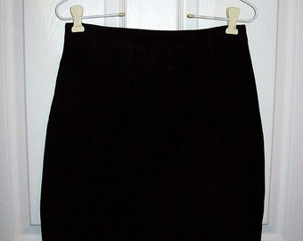 Vintage Ladies Black Suede Skirt by Compagnie International Express Size 9/10 Only 10 USD