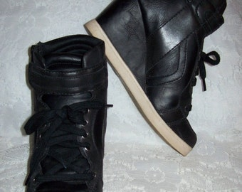 Vintage 90s Ladies Black Wedge High Heel Tennis Shoes by Candies Size 8 Only 10 USD