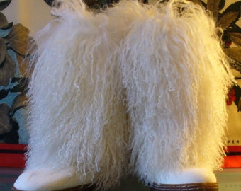 Bearpaw Curly Lamb & Shearling Boots Size 7