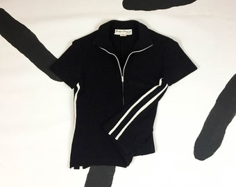 90s Black and White Zip Front Racing Stripe Short Sleeve Shirt / Athletic / Sporty / Cyber Goth / Grunge / Club Kid / Y2K / Size Large /